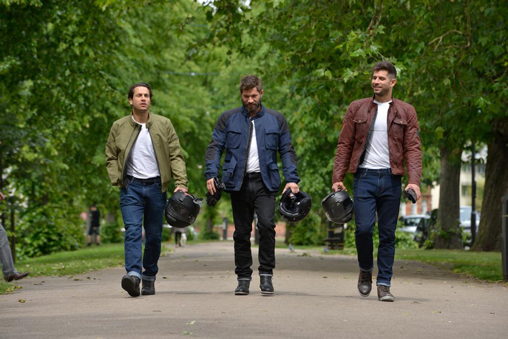 Tre personer i utstyr fra Oxford