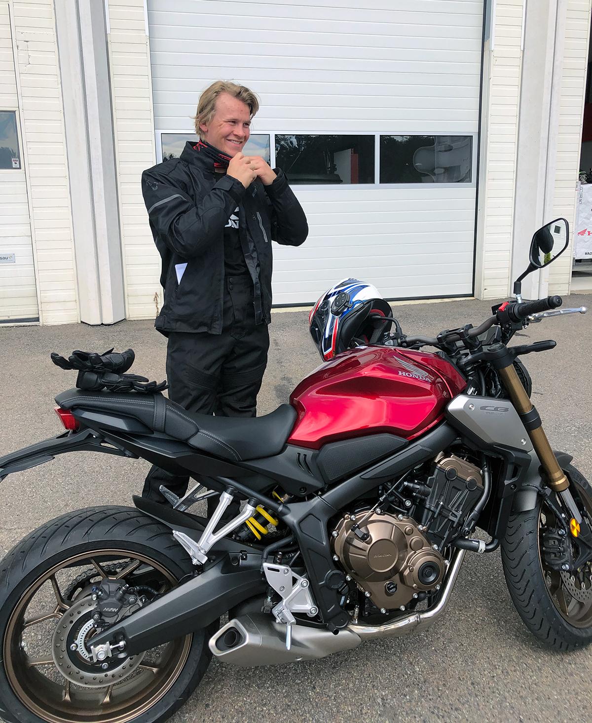 Timon Haugan får sin Honda CB650R