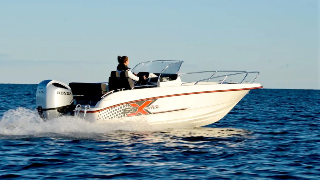 Micore på vannet med Honda påhengsmotor