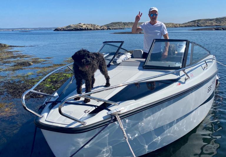 Eirik Bergh i båten sin, Northmaster 685